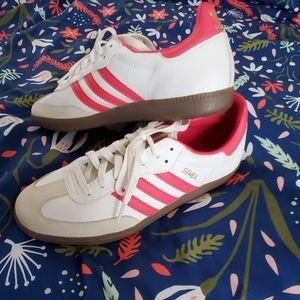 Adidas size 9 Women's Pink White Samba shoes